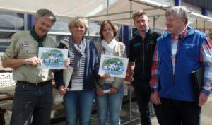 Kringloopwinkel De Werf schenkt recordbedrag aan sponsorcheques
